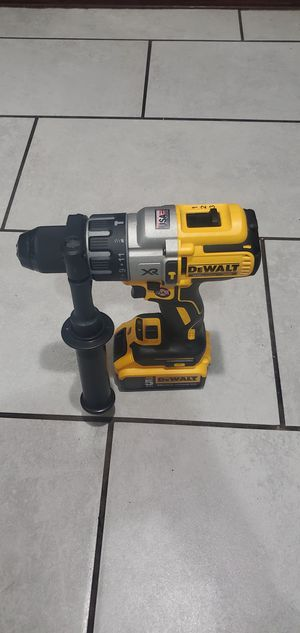 DEWALT 20 VT MAX BRUSHLESS XR HAMMER DRILL DRIVER 3 SPEEDS W BATTERIE 5.0 NEW. NUEVO for Sale in Long Beach, CA