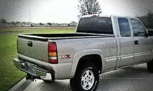 ֆ14OO O4 CHEVY SILVERADO 4WD for Sale in West Hollywood, CA