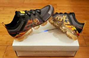 Nike Air Vapormax size 8.5 for Women. for Sale in Paramount, CA