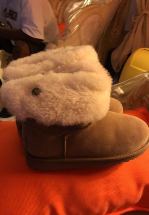 Ugg size 4 40$ for Sale in Orlando, FL
