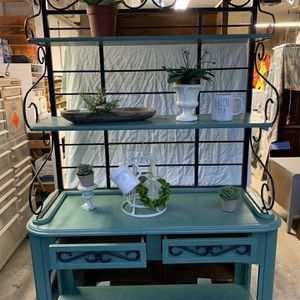 """Green/black Hutch Open Shelf 80""""x43""""x18"""" 2 drawers for Sale in Puyallup, WA"""