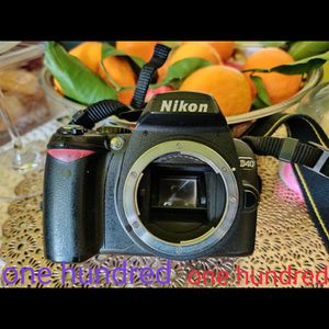 Nikon Body Only D40 for Sale in Los Angeles, CA