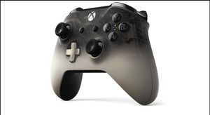 Xbox One Wireless Controller- Special Edition Phantom Black for Sale in Corona, CA