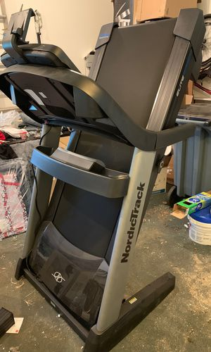 Nordictrack Elite 5750 treadmill (Brand new!) for Sale in Albany, NY
