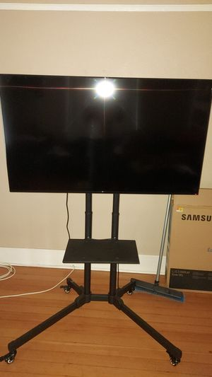 55 inch samgsung and tv stand for Sale in Phoenix, AZ