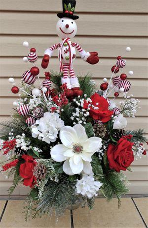 Snowman Christmas Floral arrangement for Sale in Fort Washington, MD