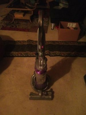 Dyson Dc 25 vacuum for Sale in Lake Alfred, FL