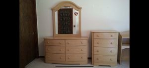 Bedroom set (individual parts or whole set) for Sale in Saint Paul, MN