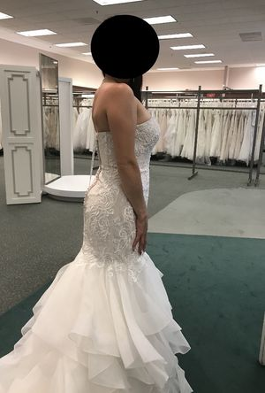 Brand new with tags never worn sz 8 Ivory/champagne Wedding Dress for Sale in South San Francisco, CA