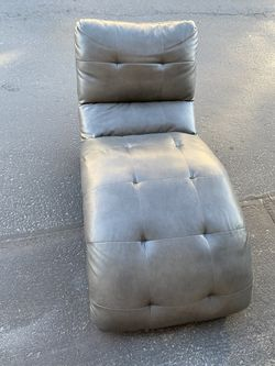 2 Lounge Chairs - Chaise Kaydn for Sale in Bingham Canyon,  UT