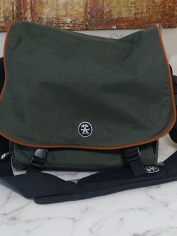Crumpler 15 Love Photo Bag. Photography Case Dsrl, Slr, Video Canon, Nikon Sony Cameras for Sale in Bakersfield,  CA