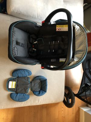 Graco Car seat, base and stroller for Sale in Arlington, VA
