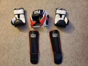 Kick Boxing Gear Lg ( Title and Revgear ) for Sale in Kingsburg, CA