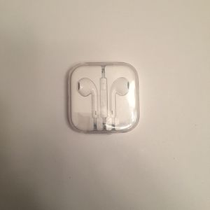 Apple Earbuds for Sale in Hesperia, CA