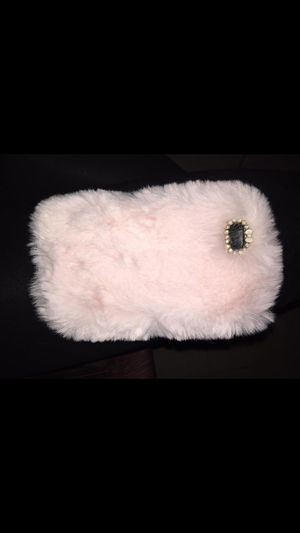 iphone 6 furry case for Sale in Pineville, LA