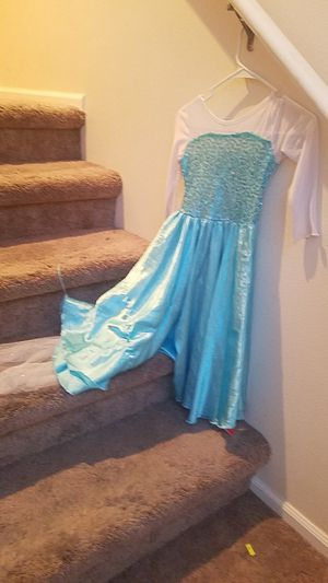 Elsa dress for Sale in Edgewood, WA