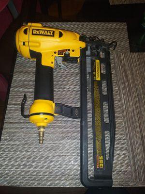 DEWALT Nail gun 16ga for Sale in Chicago, IL