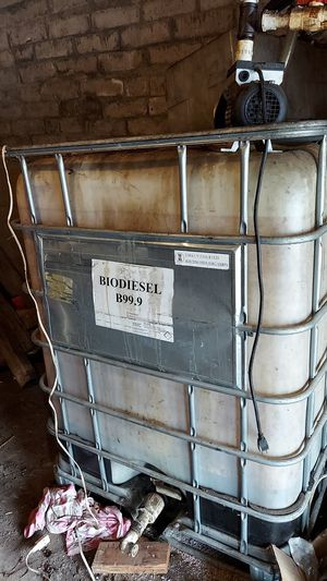 Vegetable oil 100 gallons for Sale in Los Angeles, CA
