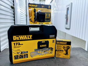 """FATHER'S DAY - DeWalt tool set, 3/8"""" compact impact wrench, 3ah battery and charger for Sale in Houston, TX"""