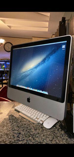 """2010 iMac 21"""" - Very Clean / Fast for Sale in Glen Ellyn, IL"""
