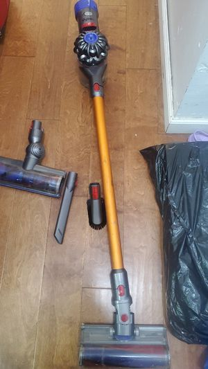 Dyson V8 Absolute cordless stick vaccuum for Sale in Queens, NY