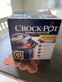 Crock Pot Express XL 8 QT for Sale in Burleson,  TX
