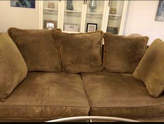 Couch Sofa, Big & Comfy,Reversible Cushions for Sale in Largo,  FL