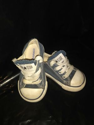 LIL ONES CONVERSE for Sale in Melvindale, MI