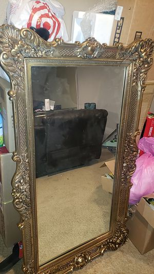 Gold Wall hanging MIRROR for Sale in Ontario, CA