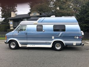 90 dodge class b van 3/4 ton full body paint twin beds sink stove fridge toilet 70k beautiful all original must see for Sale in Federal Way, WA