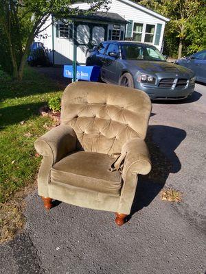 Free lazy boy (not a recliner) for Sale in Watsontown, PA