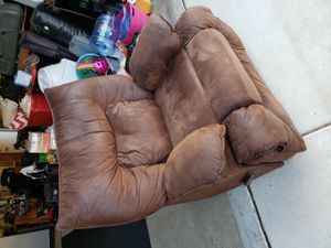 Brushed leather recliner for Sale in Murrieta, CA