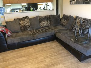 Couch (grey sectional) for Sale in Phoenix, AZ