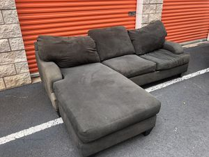 Delivered sectional with chaise for Sale in Waipahu, HI