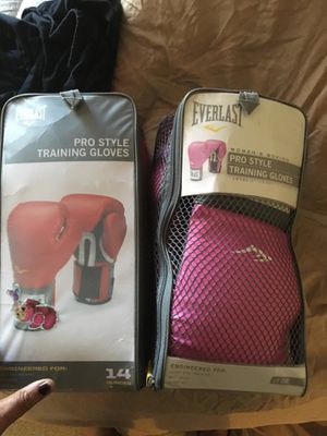 Boxing gloves for Sale in NO POTOMAC, MD