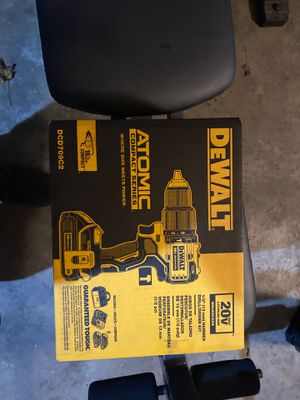 "Dewalt 20v atomic 1/2"" hammer drill 2 batteries for Sale in Riverton, IL"