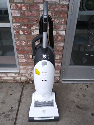 Miele Dynamic U1 Cat & Dog Upright Vacuum Cleaner for Sale in Minneapolis, MN