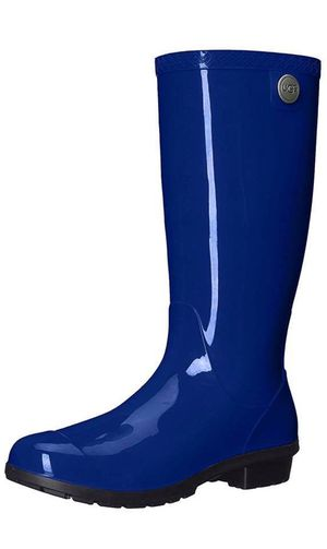 New UGG rain boots 6 9 Us authentic for Sale in Chula Vista, CA