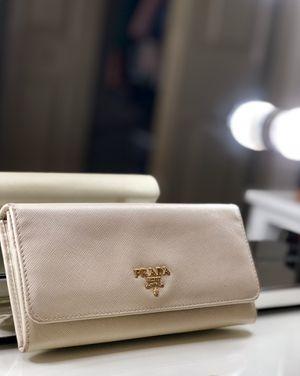 Prada | Saffiano Foldable Wallet for Sale in Tampa, FL