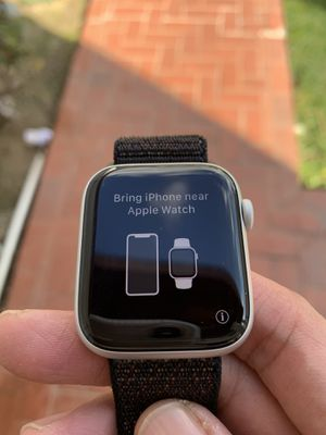 Apple Watch Series 5 44mm Silver Aluminum for Sale in Diamond Bar, CA