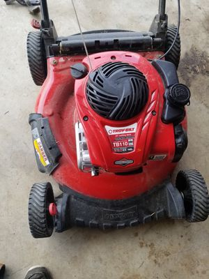 2 lawn mowers and a weed eater for Sale in Humble, TX