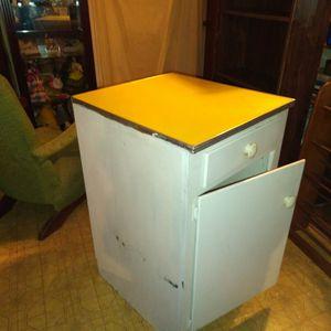 Retro Kitchen Cabinet for Sale in Ball, LA