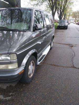 2001 Astro minivan for Sale in Warren, MI