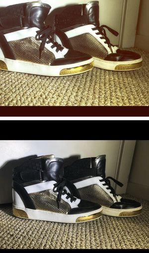 WOMENS MICHEAL KORS WEDGE HIGH TOP SNEAKERS for Sale in Wenatchee, WA