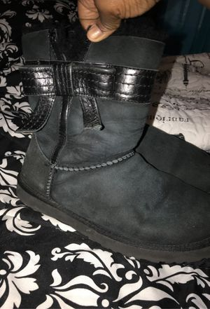 Women's Ugg Boot for Sale in Cleveland, OH