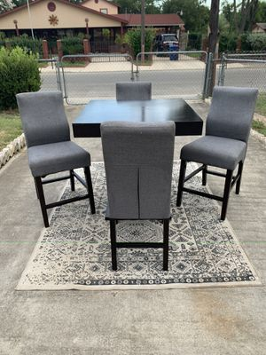 MODERN CONTEMPORARY DINING ROOM SET for Sale in San Antonio, TX