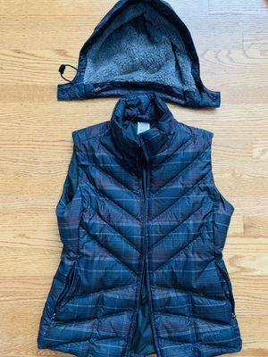 Used Women's Medium Patagonia Down/Polyester Vest, removable hood for Sale in San Leandro, CA