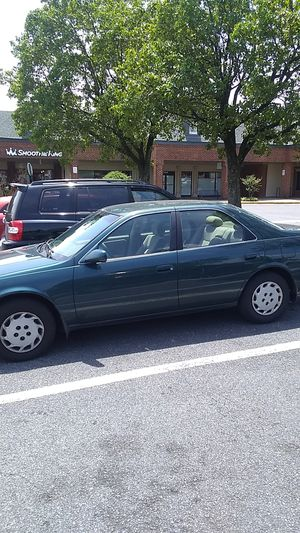 1999 Toyota camry for Sale in Landover, MD