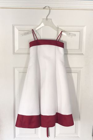 David's Bridal Flower Girl Dress Size 2t New without tags. Never worn for Sale in Snellville, GA