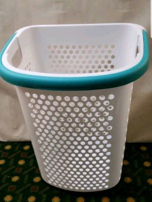 Rolling Hamper, laundry basket for Sale in Woodstock, GA
